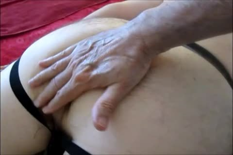 sperm Juice Straight From The Source When My taskmaster Top R. Pays Me A Second Visit.   he Wanted A Massage With All The Trimming/booty fucking  And he Received That And more, Gentle Tubers.