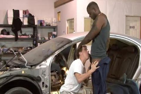 White homosexual Mechanic receives dark fucked At Work
