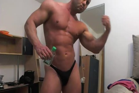 Muscle Chat Spy webcam Jerk