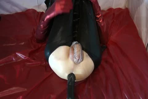 Sissy Doll poked Red Pumps enormous sex dildo
