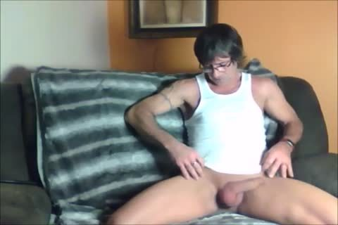 dark Haired Sugar Daddy likes To jerk off Off