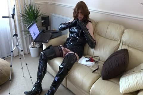 Alison jerking off Whilst Live Streaming On YouTube