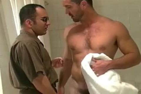 Buff man receives indecent After A Squeaky Clean Shower