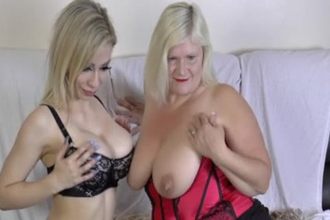 lesbo Gran Eats Out And dildos love tunnel