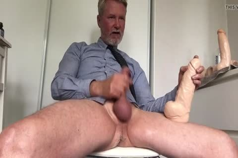 Daddy Cuming With large dildo Inside