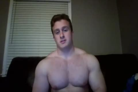 beefy Hunk Jerks Off On cam