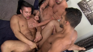 Extra Big Dicks - Seth Santoro & Cesar Rossi getting facial