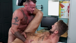Men Over 30 - Muscled gay Sean Duran rushes slamming hard