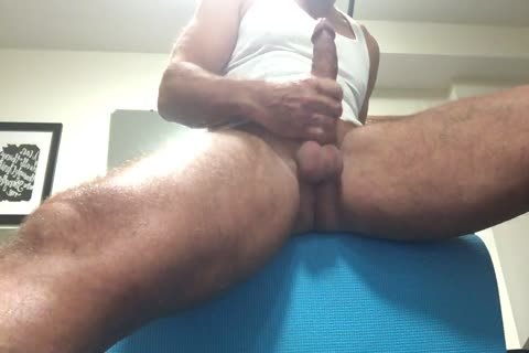 hairy gigantic Thighed Daddy Pumps Out his spooge